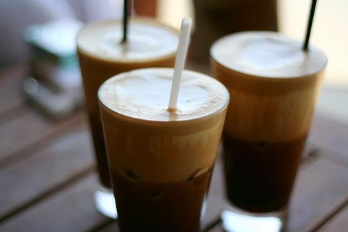 Καφέ-Μπαρ στους Νέους Πόρους