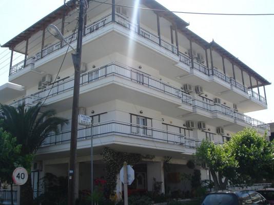 Επιπλωμένα Διαμερίσματα Γουζέλης Νικόλαος